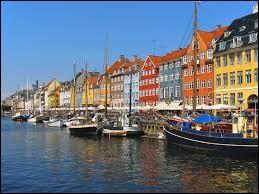 Laquelle de ces villes ne se trouve pas au Danemark ?