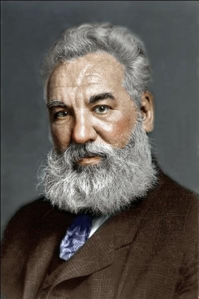 Qu'a donc inventé Alexander Graham Bell en 1876 ?