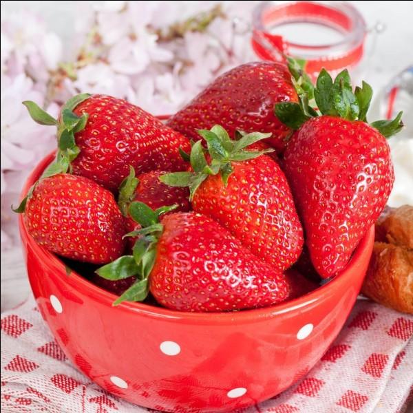 Combien pèse une fraise ?