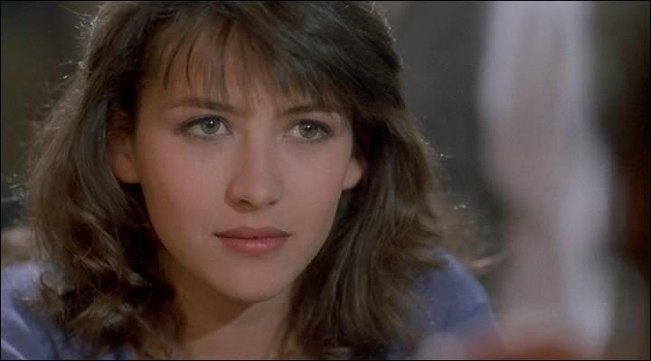 """Quel acteur donne la réplique à Sophie Marceau dans le film """"L'Etudiante"""", sorti en 1988 ?"""
