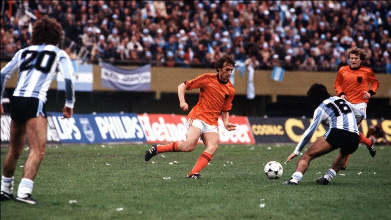 L'équipe nationale de football a été trois fois finaliste de la coupe du monde.