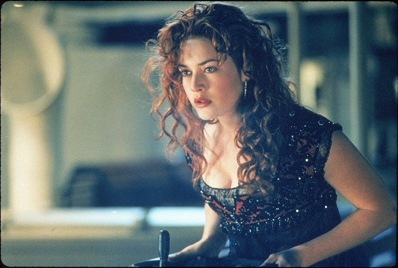 Rose a-t-elle tenu la promesse qu'elle avait faite à Jack sur le pont : elle apprendra à monter comme un homme (à cheval) ?
