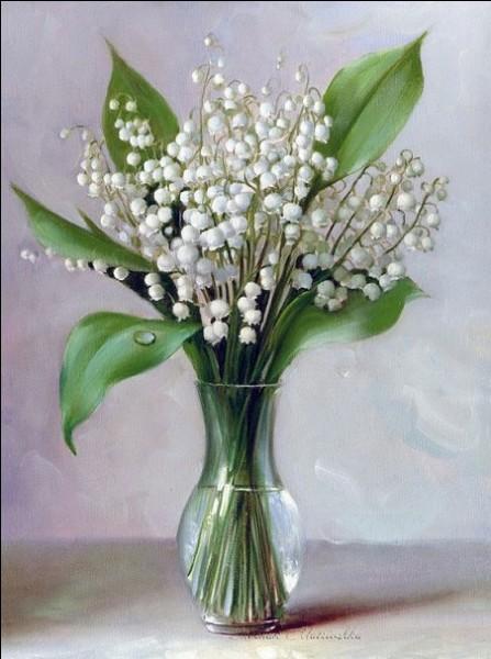 Quelle fleur offerte le 1er mai est considérée comme un porte-bonheur ?