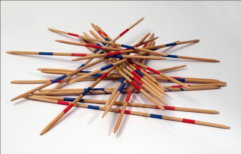 Je suis un jeu qui consiste à tirer un seul petit bâton de tous les autres entassés, je suis le...
