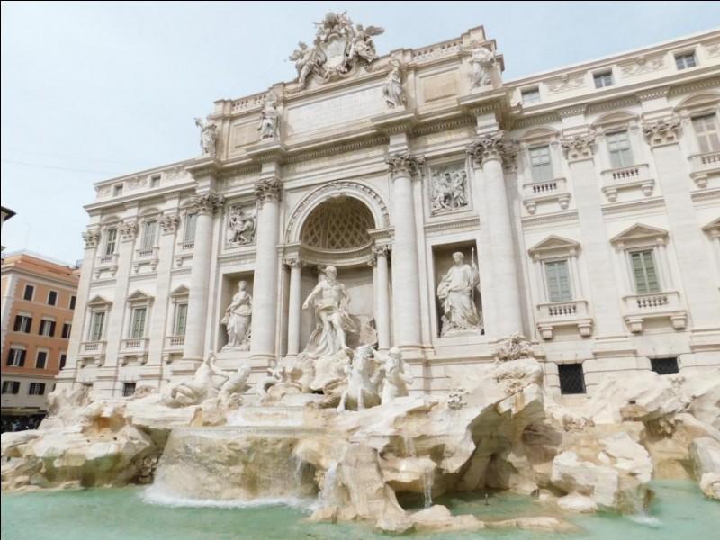En quelle année a été construite la Fontaine de Trevi ?