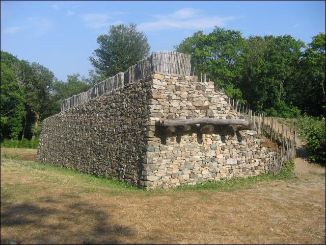 Capitale des Eduens au 1er siècle après J.-C. située sur le mont Beuvray.