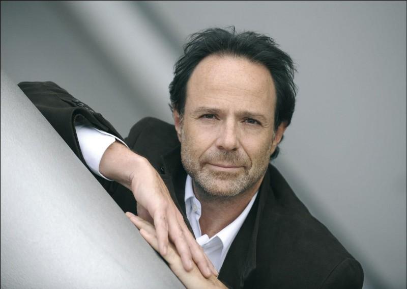 """Marc Levy a écrit un livre dont l'intitulé s'appelle """"L'étrange voyage de Monsieur Daldry"""" en 2004."""