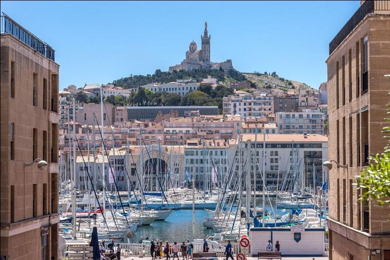 Marseille compte-t-elle 16 arrondissements ?