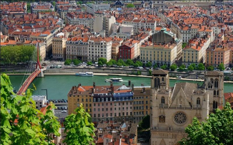 La ville de Lyon compte-t-elle 10 arrondissements ?