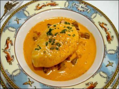 Parmi mes plats préférés, citons encore ces quenelles sauce nantua, spécialité lyonnaise !