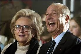 Jacques Chirac adore les forterresses dont il explore le font pendant que Bernadette agite ses pièces jaunes au coin du feu.
