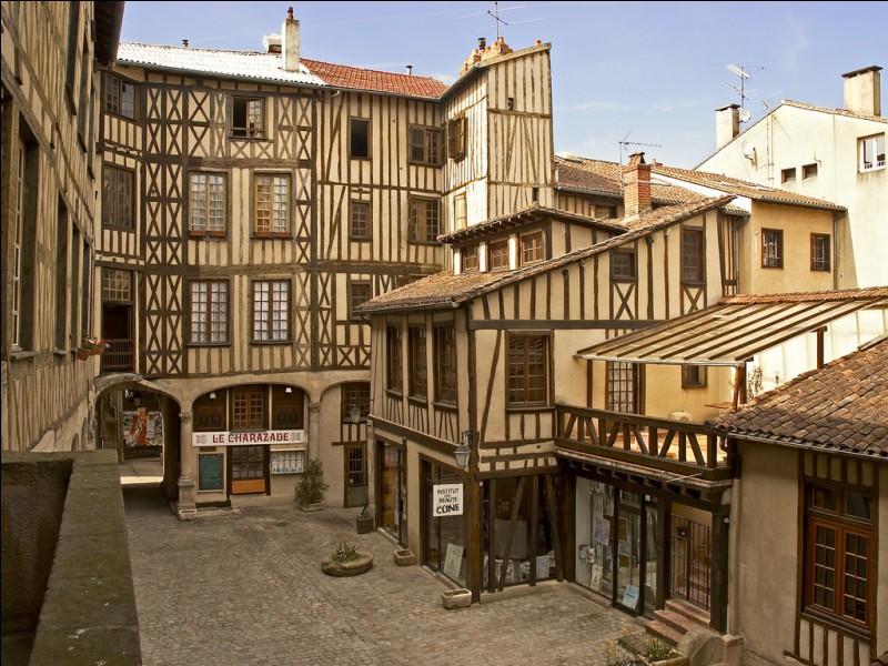 Dans quel pays se trouve Limoges ?