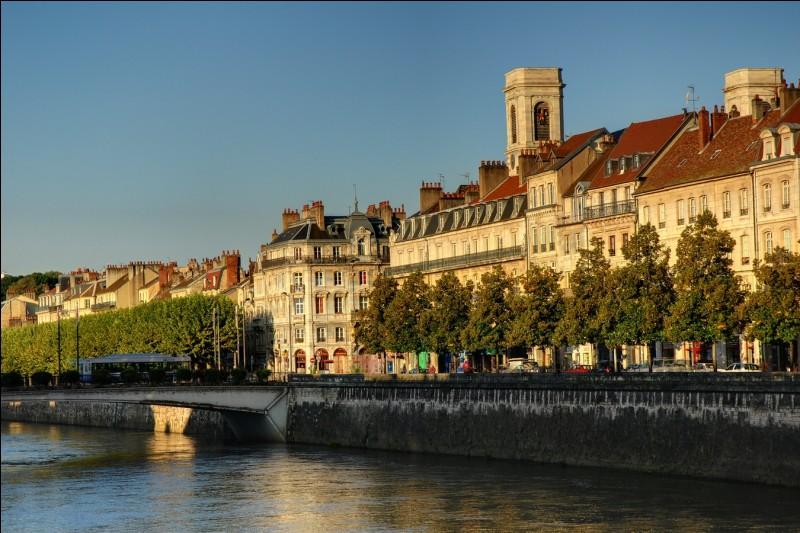 Où Besançon se trouve-t-il ?
