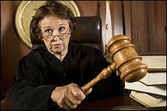 Devant la passivitée des greffes, la juge sort un gros code quand on lui parle de gueus.