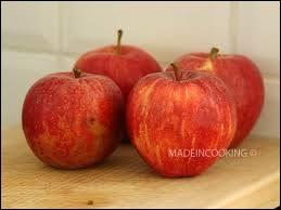Au petit déjeuner, la nymphomanne ce contente des pommes de Catherine.