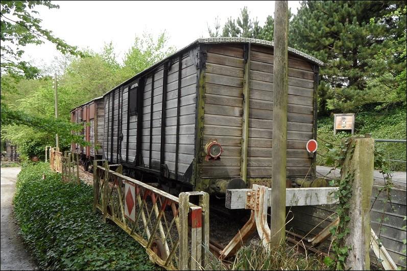 Des déportés ont travaillé sur le chantier du blockhaus.Quel était le nom donné au train qui amené les déportés ?