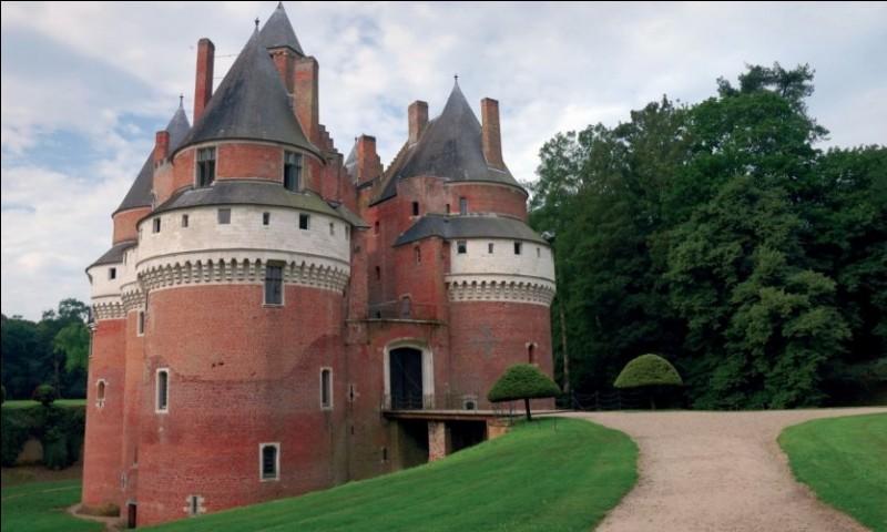 Dans quelle commune de la Somme est construit ce château ?