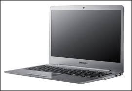 """Sur un clavier d'ordinateur """"azerty"""", quelle lettre se trouve entre le """"c"""" et """"b"""" ?"""
