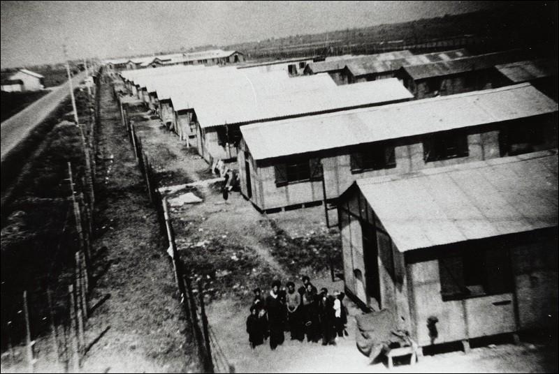 Quel prétexte les nazis donnaient-ils pour effectuer le Genickschussanlage sur des prisonniers se rendant à l'infirmerie ?