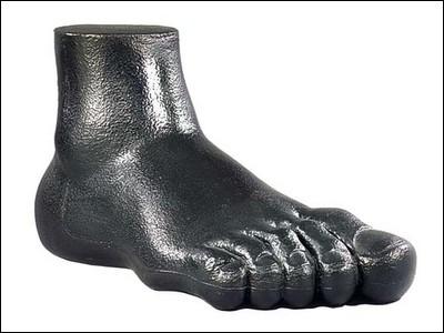Le pied est une mesure anglaise (foot au singulier, feet au pluriel), qu'on utilise dans les pays anglo-saxons, mais aussi dans certaines professions de façon internationale. Quelle est la valeur du «pied»?