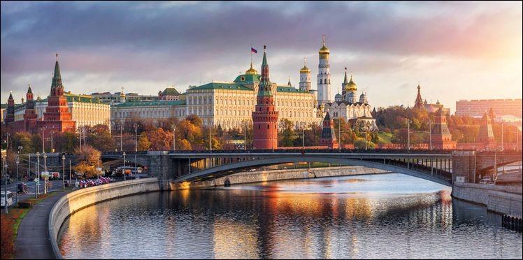 Le musée de l'Ermitage est situé dans la ville de Saint-Pétersbourg.
