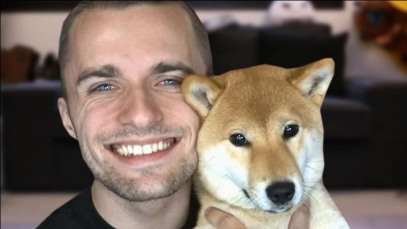 Comment s'appelle le chien de Squeezie ?
