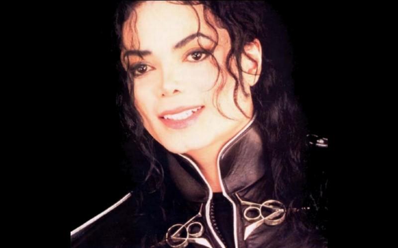 Quelle maladie avait blanchi la peau de Michael Jackson ?