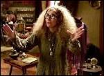"""Dans """"Harry Potter et le Prisonnier d'Azkaban"""" (3e film), que prédit en permanence le professeur Trelawney à Harry ?"""