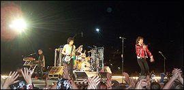 En 1982, ils font la première partie d'un groupe de rock mythique à l'hippodrome d'Auteuil, quel est ce groupe ?