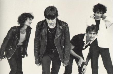Quel était le nom du groupe à leur début, qu'ils ont gardé pendant quelques concerts ?