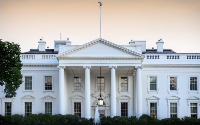 Quel président des États-Unis est reconnu pour avoir une peau très orangée ?