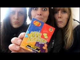 Qui est cette fille avec elles dans la vidéo « Jelly Belly » ?