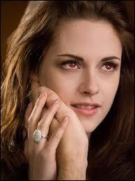 Dans quel chapitre Bella devient-elle vampire ?