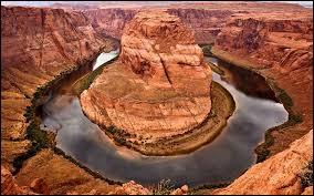 Quel fleuve, ayant creusé le Grand Canyon, naît dans les montagnes Rocheuses ?