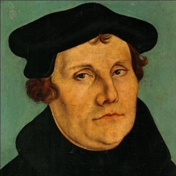 Combien de thèses Martin Luther diffusa-t-il en 1517 pour dénoncer les abus de l'Église catholique ?