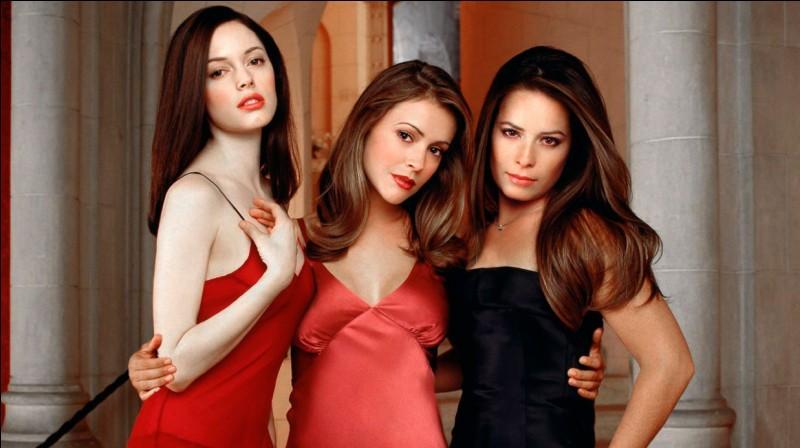 Laquelle de ces séries américaines raconte les aventures de 3 sœurs sorcières ?