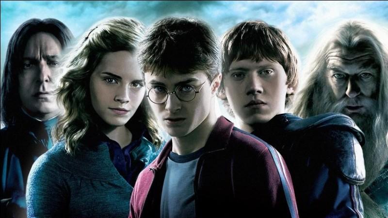 Sélectionne les noms des acteurs de la saga ''Harry Potter''.