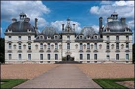 C'est l'un des magnifiques châteaux de la Loire.Il est classé aux Monuments historiques, ce château a été conçu au XVIIe siècle, dans un style très classique.
