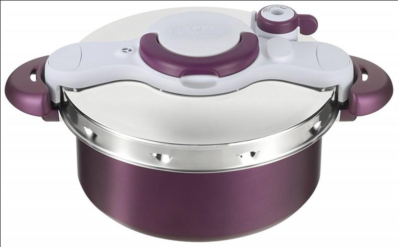 Il permet de cuire les aliments sous haute pression.