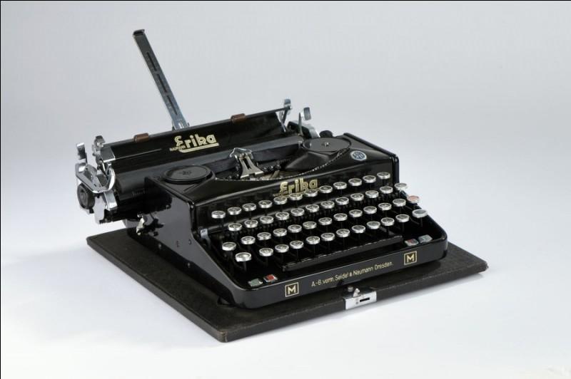 Quelle est cette machine souvent utilisée par les écrivains ?