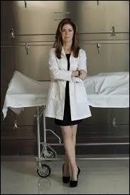 Laquelle de ces séries télévisées a pour héros principal un médecin légiste ?