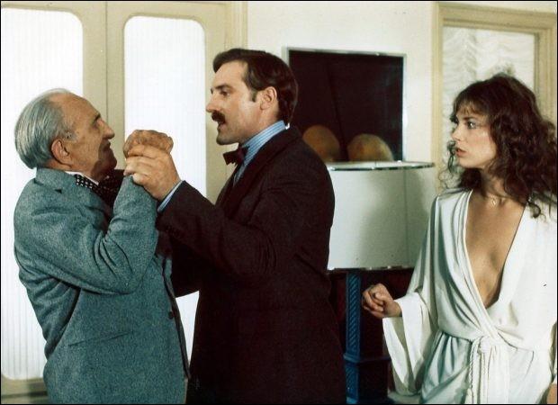 Quel est ce film réalisé par Jacques Rouffio en 1975, dans lequel Michel Piccoli et Gérard Depardieu incarnent deux chirurgiens qui connaissent le même destin, victimes de manœuvres et rumeurs et poussés au suicide ?