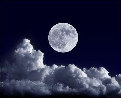 Sur quel agrès peut-on faire la demi-lune ?