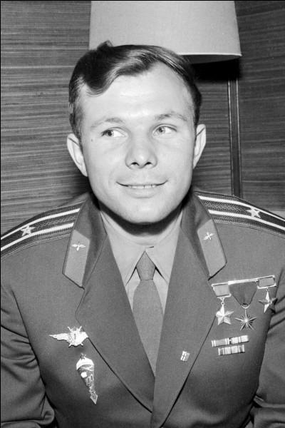 Qui est le premier homme à avoir effectué un vol dans l'espace ?