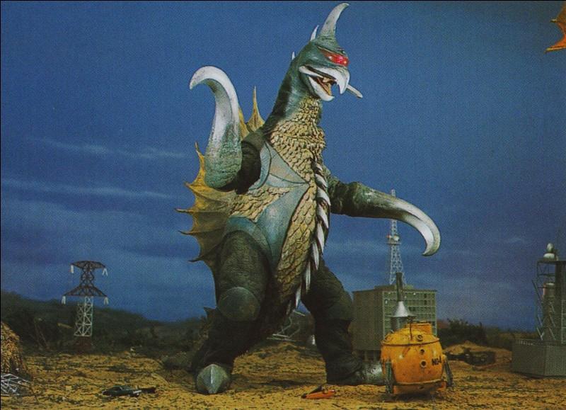 Ce personnage apparaît dans des séries de films japonais. Quel est son nom ?