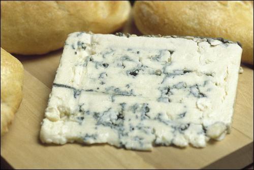 Lequel de ces fromages est à pâte persillée ?