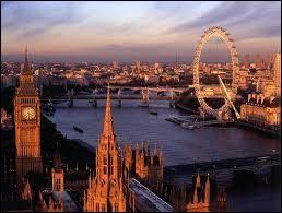 Quel est le nom du fleuve qui coule à Londres ?