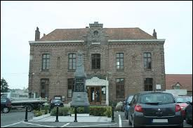 Commune des Hauts-de-France, dans l'arrondissement de Douai, Aubigny-au-Bac se situe dans le département ...
