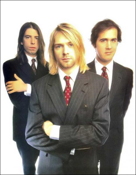 Comment s'appelait le leader de Nirvana ?