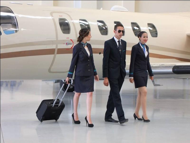 À la toute fin de votre carrière, combien pourrez-vous espérer gagner, sans compter les primes, en tant que steward ou hôtesse de l'air ?